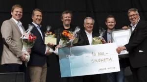 Utdeling av Skedsmo Kommue Byggeskikkpris 2015. fra høyre: Ordfører Ole Jacob Flæten, Marius Kongsland (Jm Norge AS), Johan Arne Ulvan (Felleskjøpet Agri SA), Kjetil Thorsen (Snøhetta AS), Per Mortensen (Linstow AS), og Rolf Th. Holm (Lillestrøm Delta AS)
