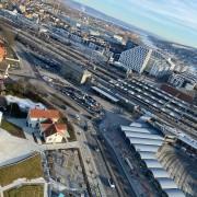 21-03-03 Utsikt mot tog og bussasjon